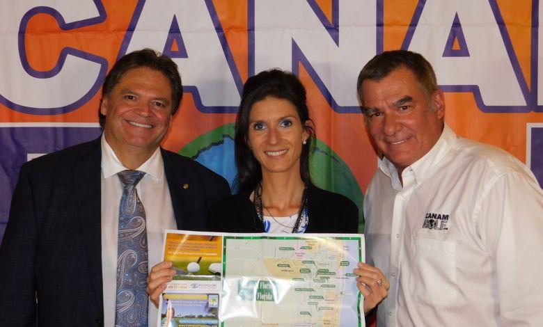 Daniel Veilleux (président de Desjardins Bank) avec Anne-Josée Beland et Charles Bourque (Canam Golf)