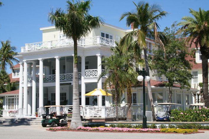 Le Gaspilla Inn & Club