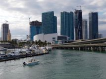 Miami Downtown et Brickell vus de la mer.
