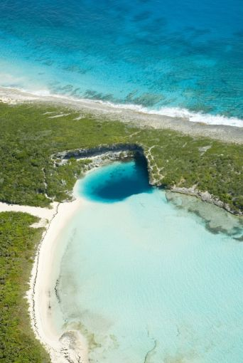 Bahamas Long Island - Deans-Blue-Hole - Clarence Town