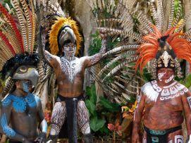 Guerriers mayas au cenote Ik Kil.