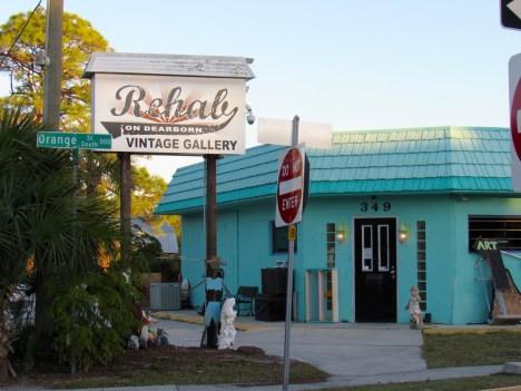 Les magasins et galeries d'art sur la Dearborn street, la principale rue commerçante d'Englewood
