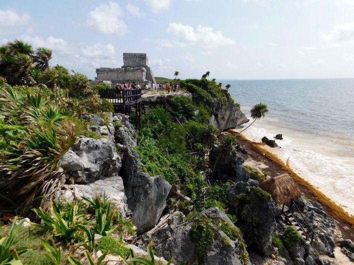 En juillet, la plage de la cité maya de Tulum était fermée au public. Les autres plages étaient nauséabondes.