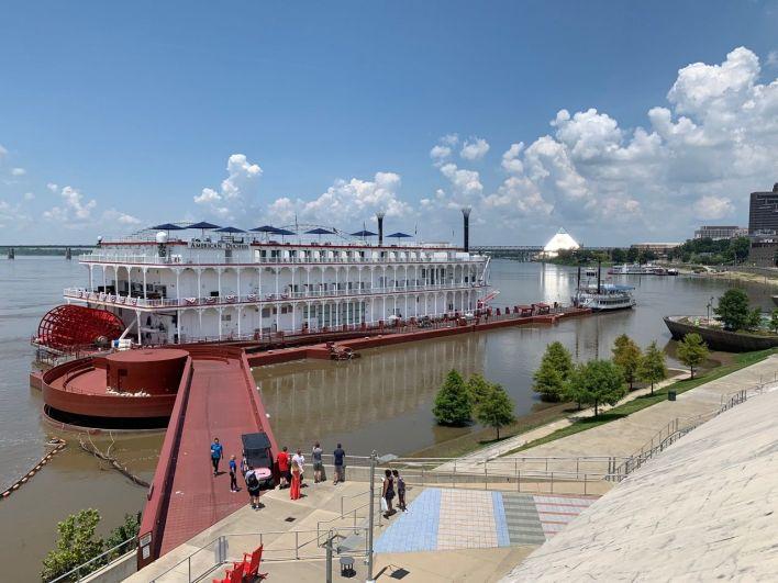 Croisière sur le Mississippi (ici l'American Duchess à quai à Memphis Tennessee)