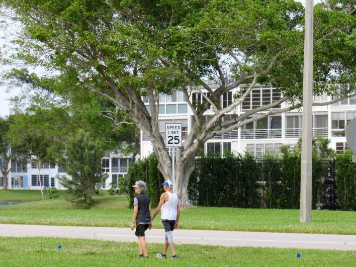 Le Century Village de Deerfield Beach en Floride : une gated community 55+