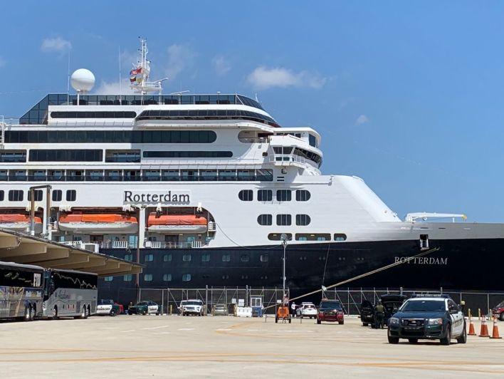 Le Rotterdam a quai à Port Everglades, le port de Fort Lauderdale en Floride