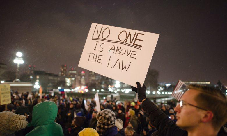 Les avocats français au Texas et tous les attorneys francophones à Dallas, Houston, Austin, San Antonio..., spécialisés en droit de l'immigration, accidents, famille, affaires...