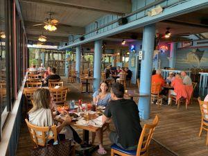Edge of the Water Tiki Bar à Fort Pierce en Floride