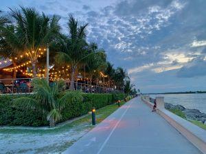 Le Square Grouper Tiki Bar à Fort Pierce en Floride