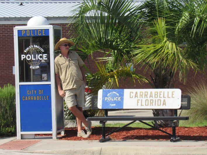 Le plus petit poste de police du monde à Carrabelle en Floride