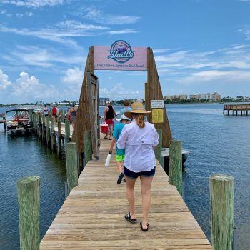 L'accès à la navette de Shell Island