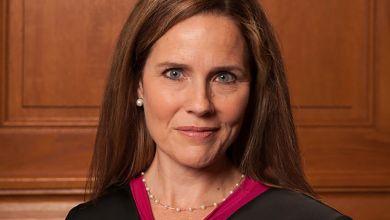 Photo de Amy Coney Barrett choisie par Trump pour siéger à la Cour Suprême des Etats-Unis