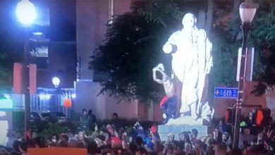 Photo de En défense des statues des rois de France aux Etats-Unis  (éditorial du Courrier des Amériques)