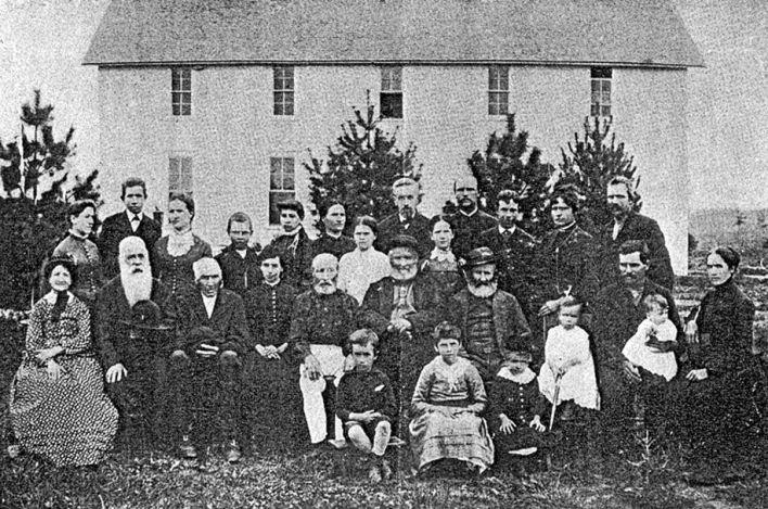"""L'une des dernières photos des Icariens de Corning, les """"Vieux Icariens"""", probablement peu avant la dissolution de 1898."""