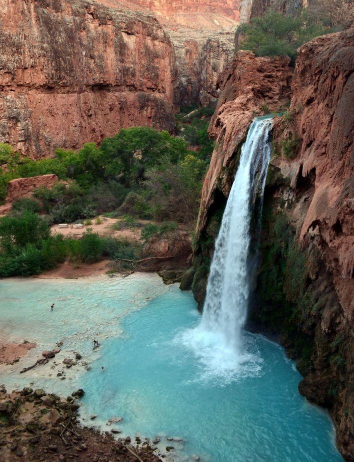 Les Havasu falls à Supai (Grand Canyon)