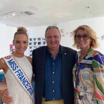 Franck Bondrille entre Amandine Petit et Sylvie Tellier