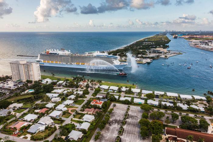 Odyssey of the Seas entrant à Port Everglades (Fort Lauderdale en Floride).