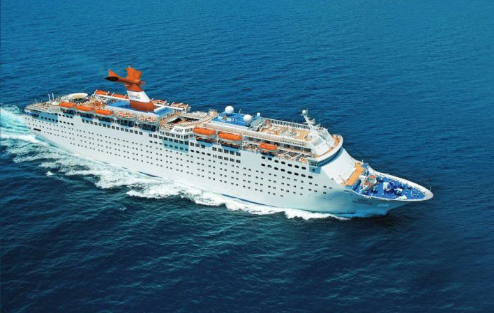 Bahamas Paradise Cruise Line fait la traversée entre West Palm Beach (Floride) et Freeport et Nassau (Bahamas).