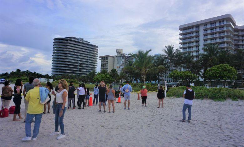 Le point sur l'effondrement de la Tour Champlain à Surfside, près de Miami Beach (PROCHES, AMIS, BADAUDS ASSEMBLES POUR ESPERER, COMPRENDRE, PRIER, SE RECUEILLIR)