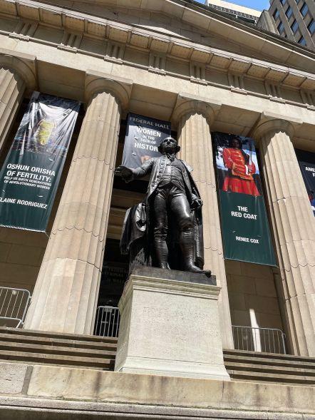 La statue de Washington devant la Fed à Wall Street