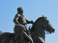 La fameuse Statue équestre de Théodore Roosevelt devant le Musée d'histoire naturelle de New-York (American Museum of Natural History)