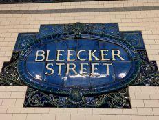 Plaque du métro Bellcjer Street à Greenwich Village à Manhattan, New-York