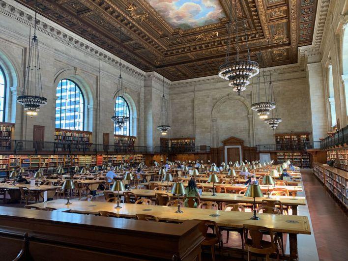La grande salle de lecture de la New-York Public Library de Manhattan