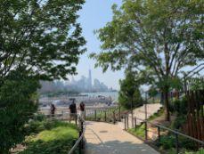 Visiter Little Island, une île artificielle sur l'Hudson River. Notre guide de voyage à New-York