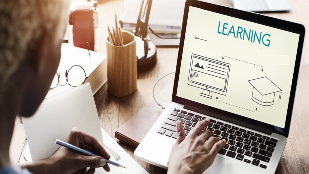 UPSKILL WITH ONLINE COURSES