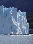 The glacier stands between 60 and 80 meters above water level.