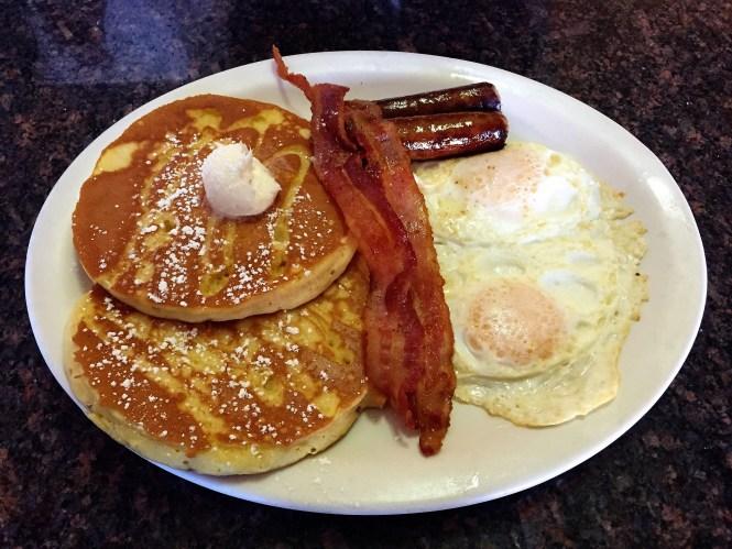 """""""Two's Company"""" - Harry's Breakfast & Lunch"""