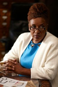 """WAREHOUSE 13 -- Episode 211 """"Reset"""" -- Pictured: CCH Pounder as Mrs. Frederic -- Photo by: Ken Woroner/Syfy"""