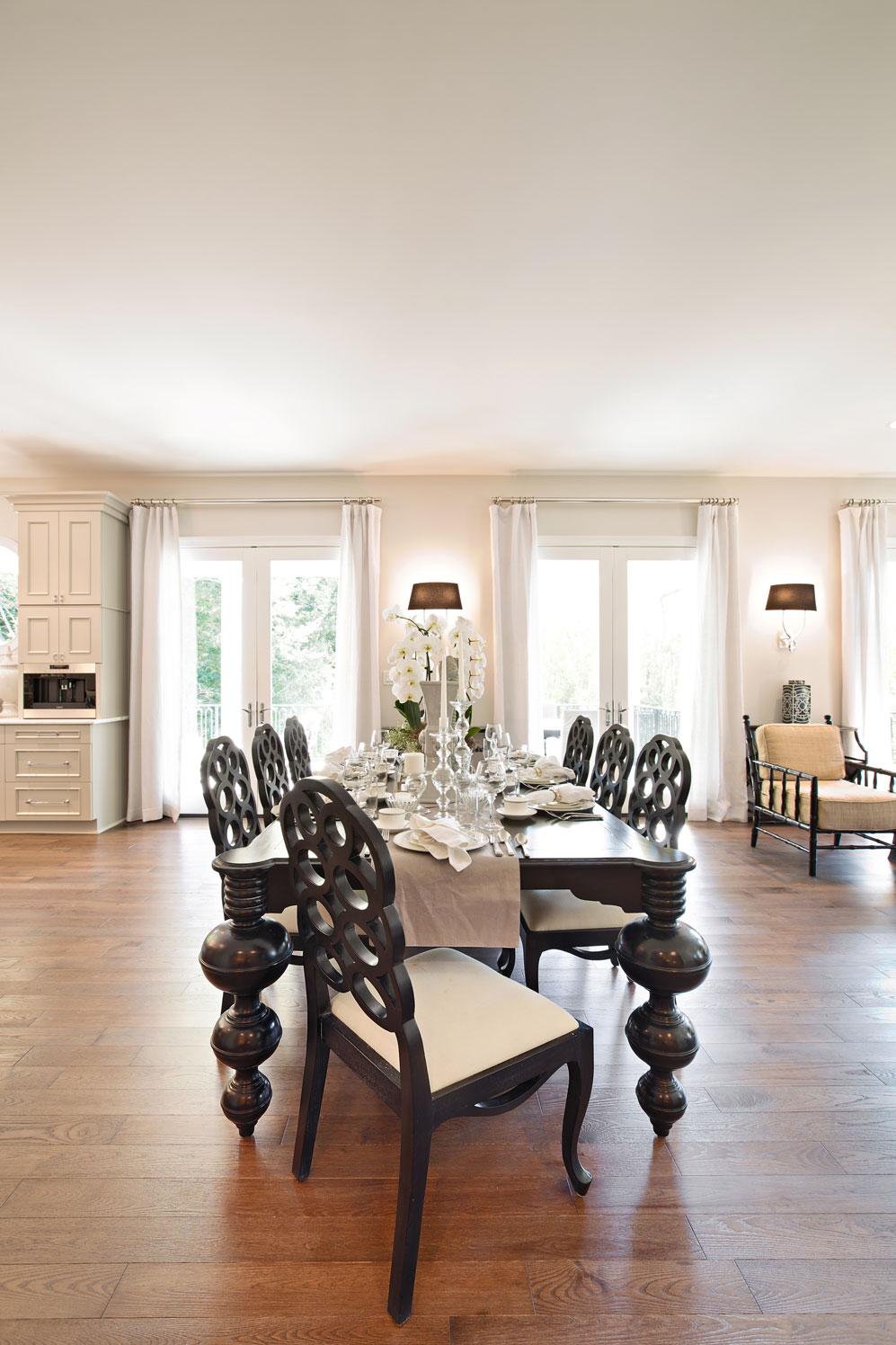Courtney Casteel, Interior Design Dining Room