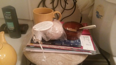 Tea and books and bathbombs. Me time