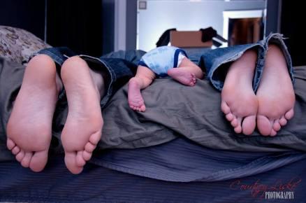 Regina Newborn Photographer - Feet of the family