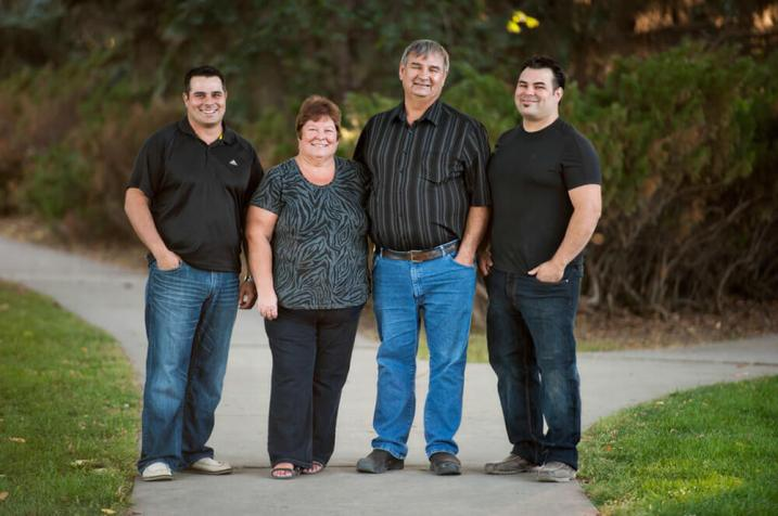 Regina Family Photographer - Favel Extended Family 3