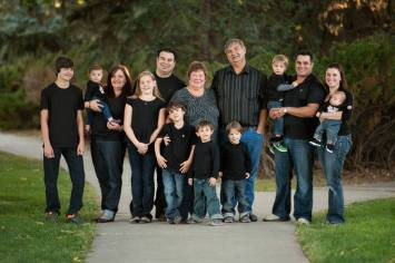 Regina Family Photographer - Favel Extended Family 4