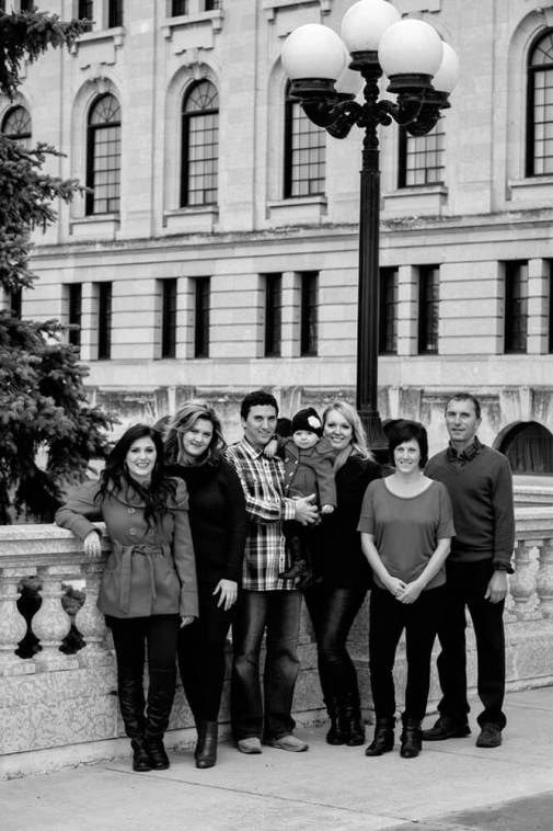 Regina Family Photographe - Laczko Family - Legislative