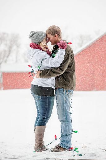 Regina Engagement Portfolio - Stephen-Sara - Christmas Lights