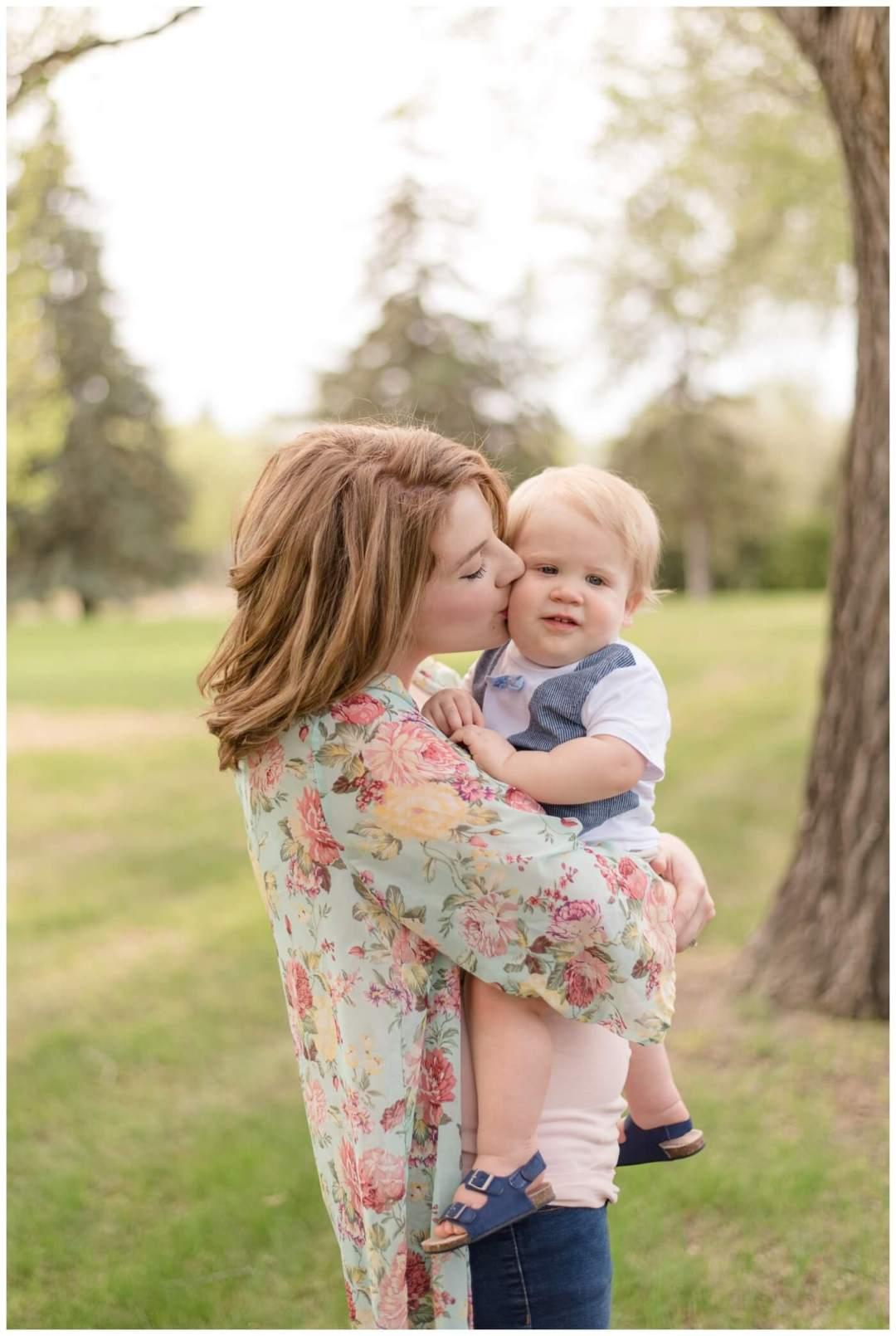 Regina Family Photographer - Amy - Oliver - Rotary Park - Wascana Park