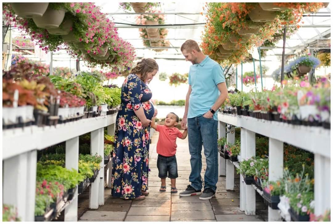 Regina Family Photographer - Justin-Charissa-Jonah - Regina Dutch Growers