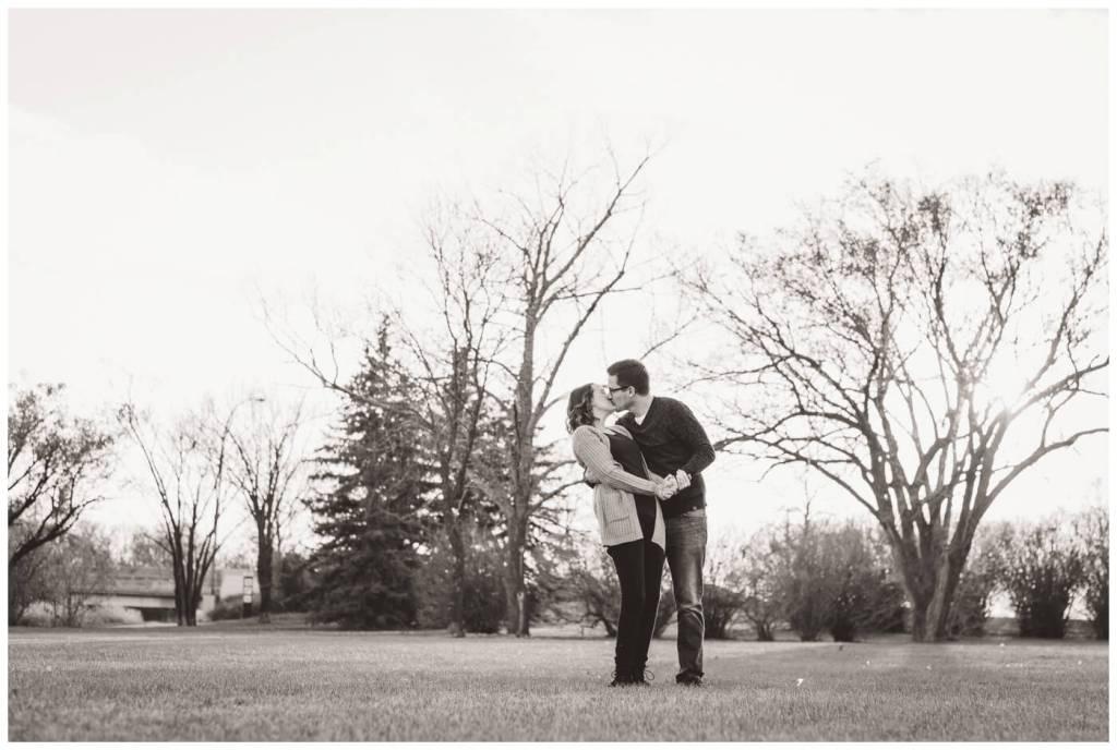 Regina Family Photographer - Teala-Jarrett - Fall Family Session - Les Sherman Park - Dip and Kiss