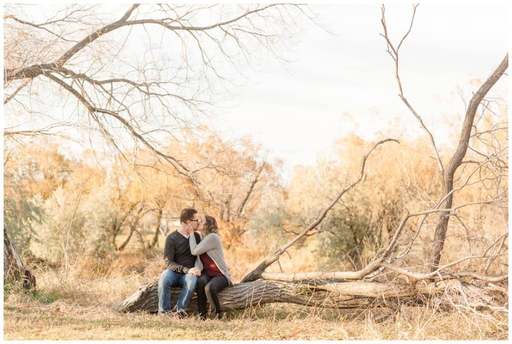 Regina Family Photography - Teala-Jarrett - Fall Family Session - Les Sherman Park - Riverbank - Fallen Tree