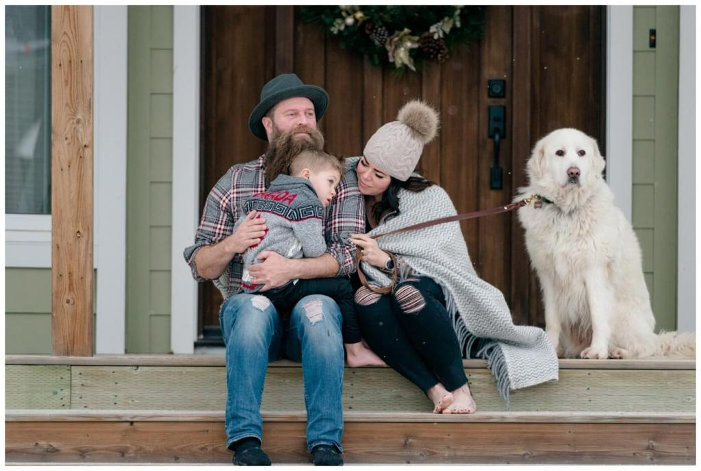 Regina Family Photographer - Keen Family - Dionne-Timothy-Shepherd - In home Family Session - Front Porch Snuggle - Blanket - Barefeet - Blanche Devereaux
