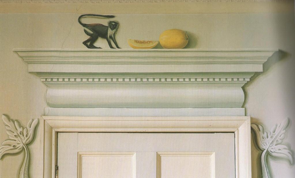 trompe l'oeil mural over door