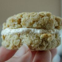 Vegan Oatmeal Cream Pie Cookies