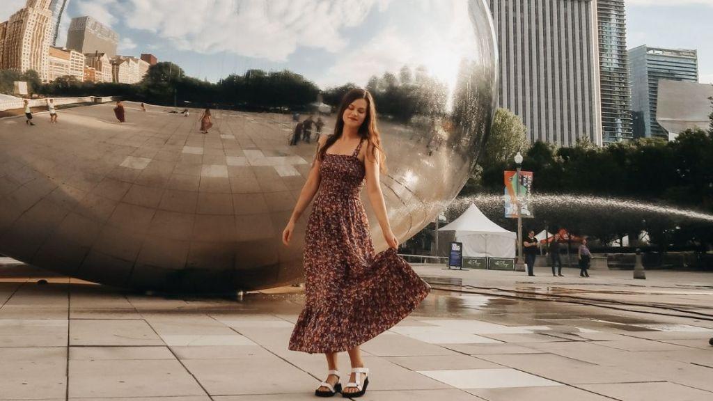 The Bean, Cloud Gate, Millennium Park, Chicago - Chicago Budget Travel Guide