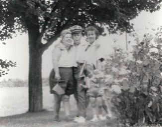 Liilian Herman Klein, Stephen Klein, Vivian Klein Berman via Shari Berman Landes