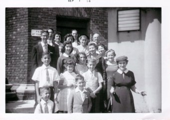 Back row: John Paltiel, Marcia Kerstman Landes, Harry Paltiel, Charlie Landes Second row: Bob Paltiel, Edith Landes, Sadie Lustig Landes, Clara Landes Third row: Toby Paltiel, Pearl Blush Landes, ? Fourth row: Joan Landes Fifth row: Joel Landes, Patricia Paltiel Fowler, Randy Landes, Isabel Paltiel Front row: Paul Landes, ?