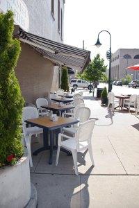 Cousin Jenny's Sidewalk Cafe